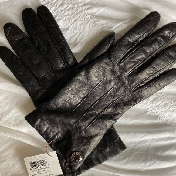 BRAND NEW COACH leather gloves 🖤